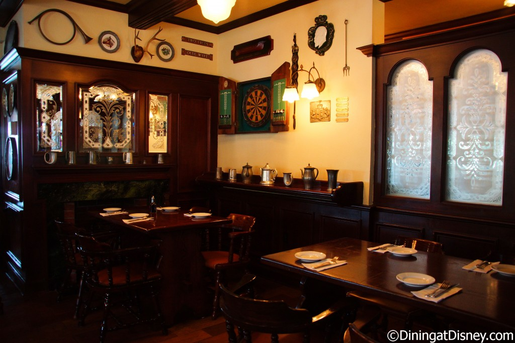 rose and crown dining room | Rose & Crown Pub and Dining Room