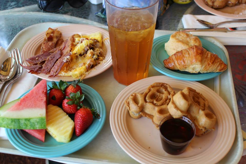 Character breakfast buffet at Plaza Inn in Disneyland Photo: Michelle Murry
