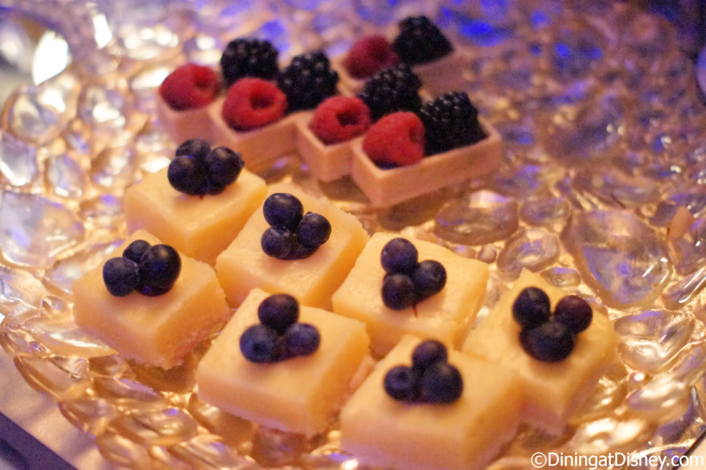 White chocolate desserts at Bar Chocolat - Waldorf Astoria Orlando  - Food and Wine Weekends