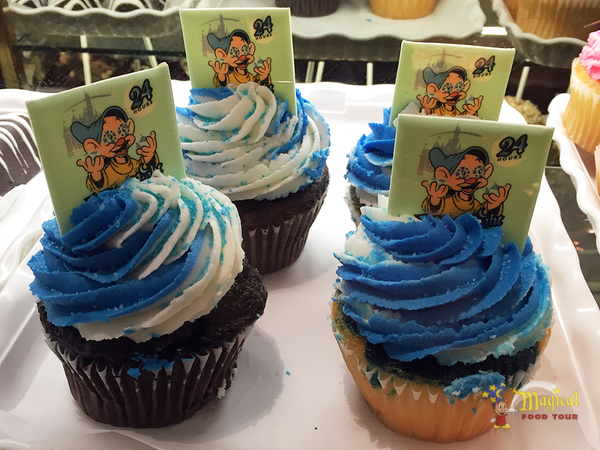 Chocolate and vanilla cupcakes with Dopey