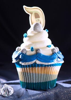 "Special ""Diamond Celebration"" lemon cupcake at Jolly Holiday Bakery Café (photo by: Disney)"