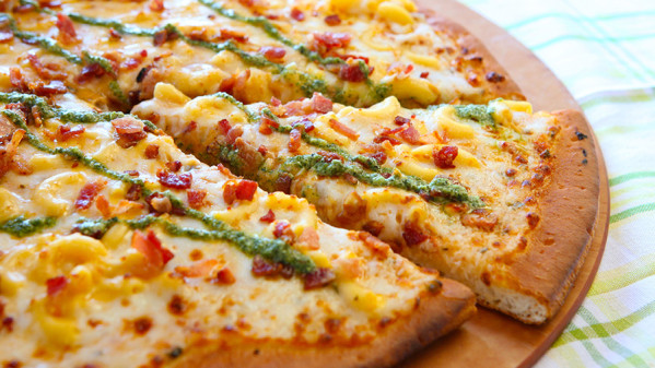 Mac and Cheese Pizza - Boardwalk Pizza & Pasta [photo by: Disney]