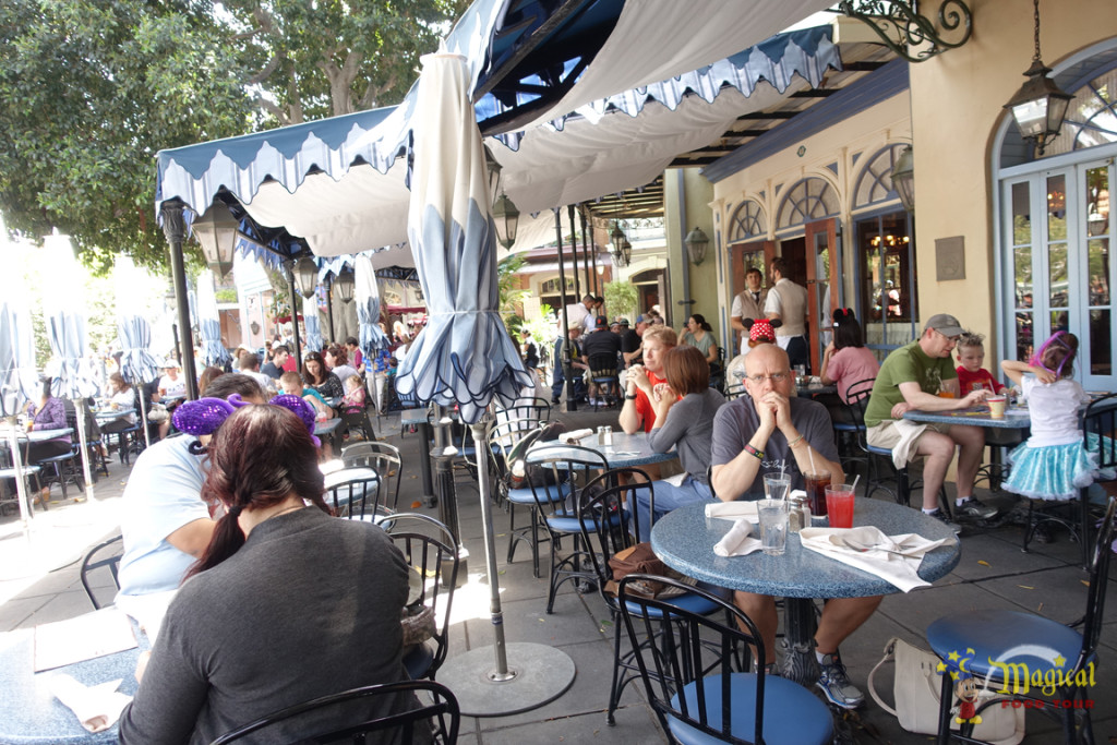Café Orleans Outside Seating