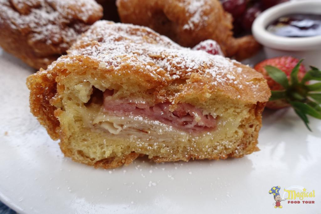 Monte Cristo Sandwich Closeup