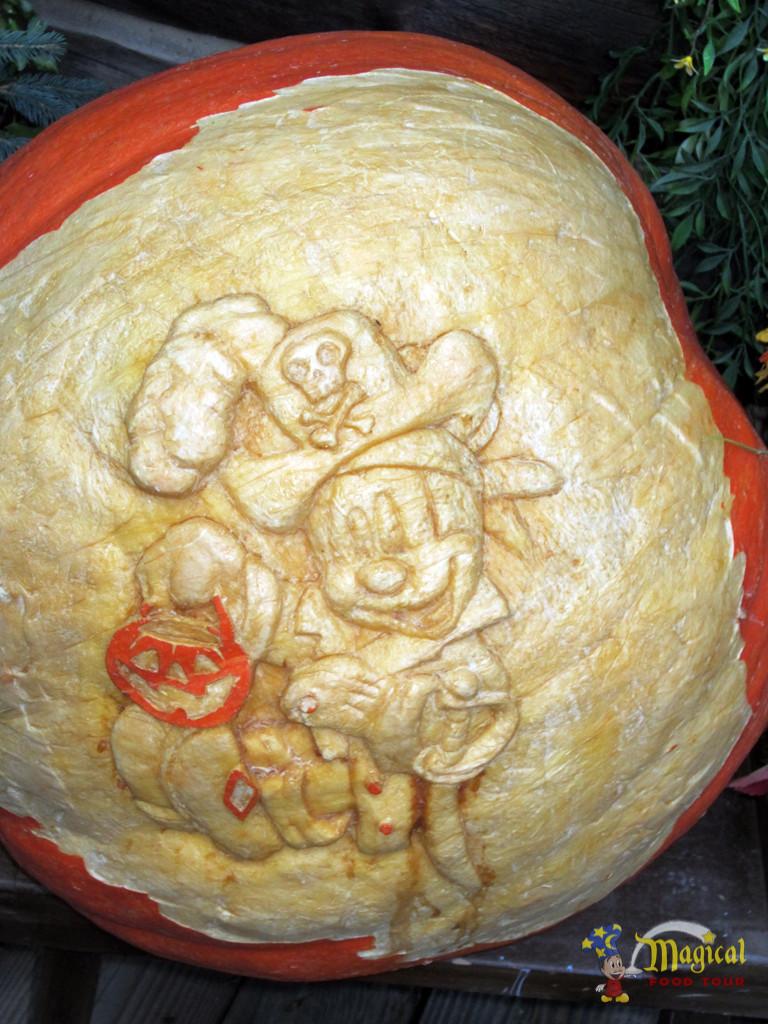 Halloween Pirate Mickey Pumpkin