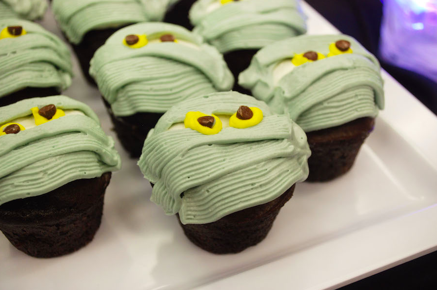 Mummy cupcakes for HalloWishes Premium Dessert Party
