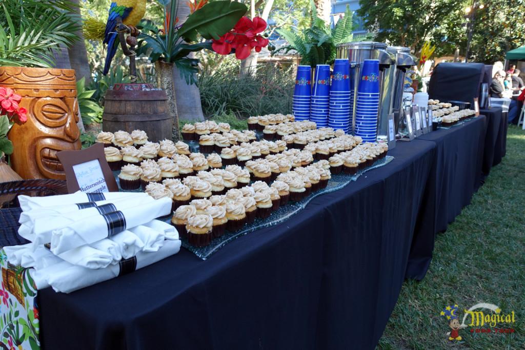 Tahitian Terrace Cupcakes